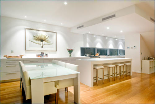 Mermaid Beach - Kitchen